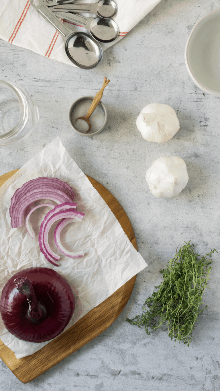 ingredients to make pickled red onions