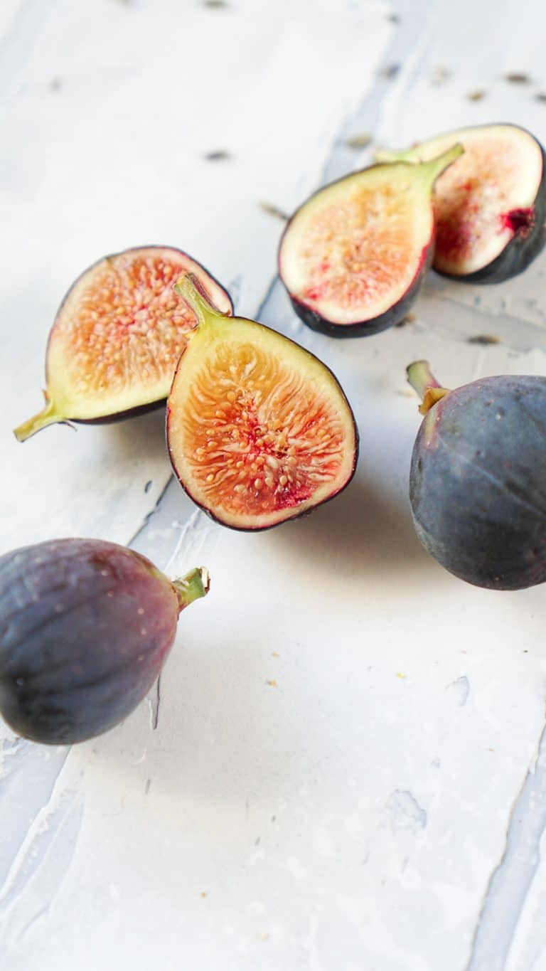fresh figs sliced in half and whole