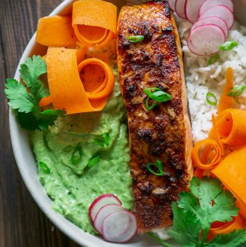 close up of a blackened salmon rice bowl