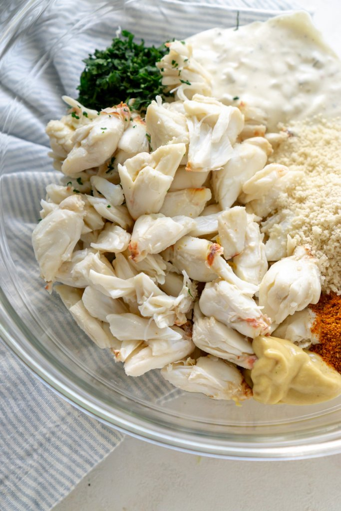 lump crab in a glass bowl